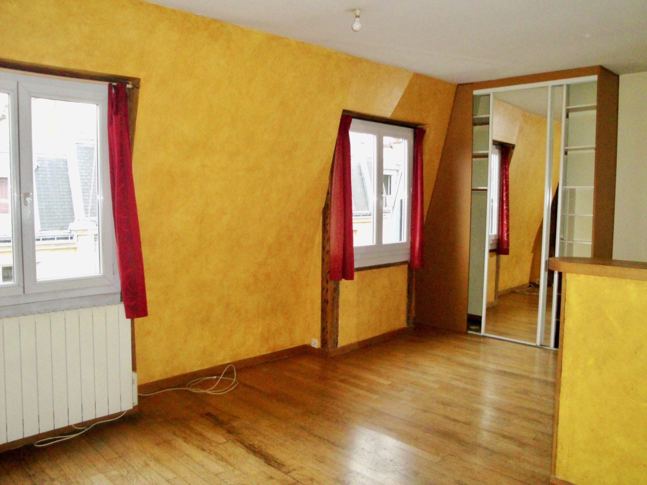 Un studio + une chambre rue de Suez (75018)