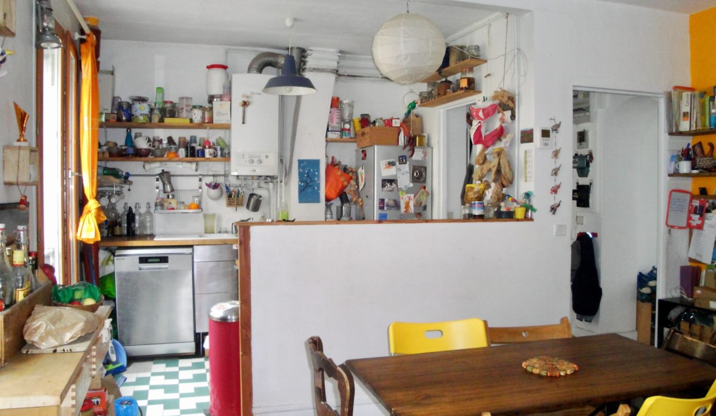 A vendre rue Marcadet salon/cuisine