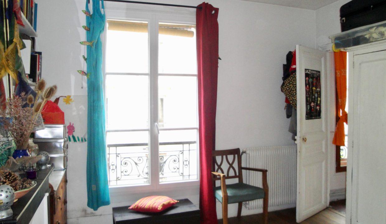 A vendre rue Marcadet Chambre 1